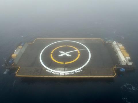 Water resources, Circle, Island, Aerial photography, Bird's-eye view, Artificial island, Symbol, Water transportation, Dock, Haze,