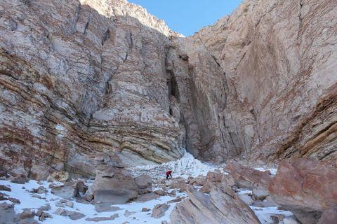 Mountainous landforms, Rock, Valley, Bedrock, Mountain, Geology, Formation, Geological phenomenon, Winter, Slope,