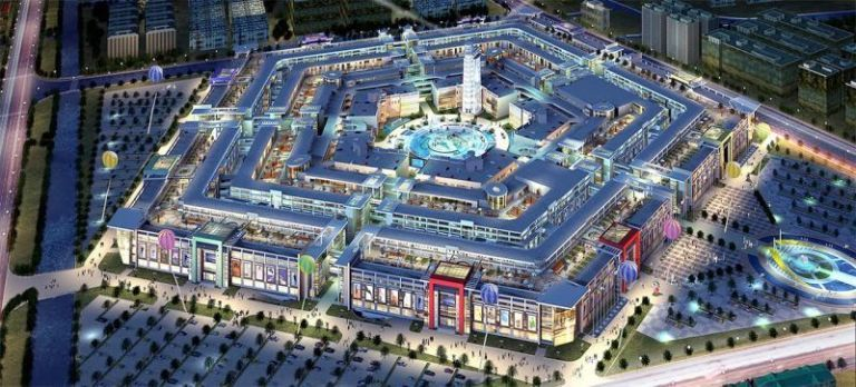 China Built a Mall Modeled After the Pentagon And Now It's Nearly Abandoned