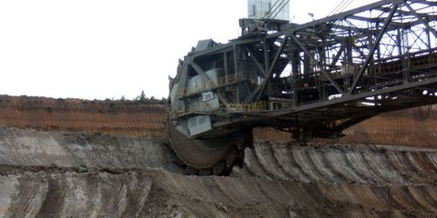 Soil, Iron, Machine, Composite material, Metal, Construction equipment, Engineering, Steel, Building material, Off-roading,
