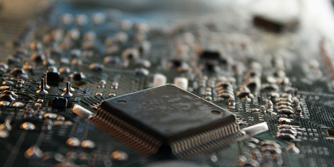 A New Kind of Computer Chip Could Soon Make Your Smartphone Way More Powerful
