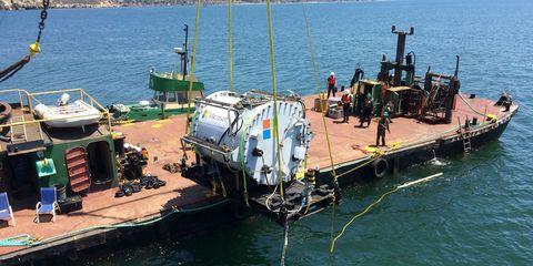 microsoft-underwater-data-center.jpg