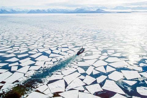 Winter, Ice cap, Mountain range, Snow, Ice, Glacial landform, Polar ice cap, Arctic, Freezing, Glacier,