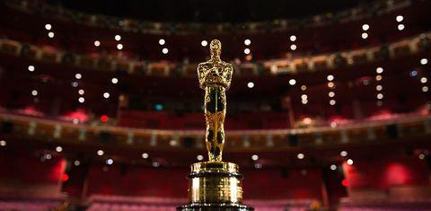 Sculpture, Landmark, Trophy, Brass, Statue, Balance, Bronze, Award,