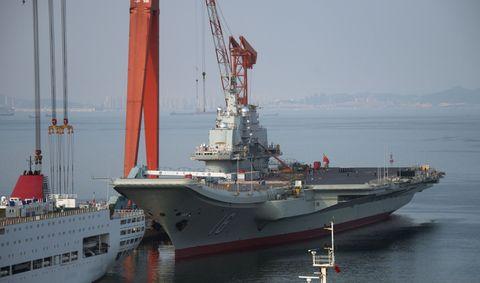 Mode of transport, Water, Watercraft, Boat, Liquid, Waterway, Naval architecture, Ship, Naval ship, Crane,