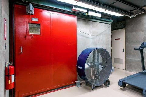 Product, Electric fan, Machine, Gas, Coquelicot, Aluminium, Home appliance, Mechanical fan, Steel, Kitchen appliance accessory,