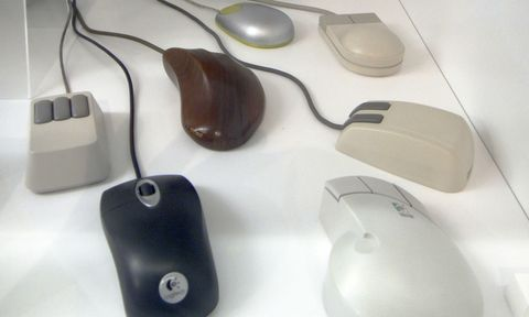 Electronic device, Technology, Peripheral, Input device, Computer accessory, Mouse, Laptop accessory, Personal computer hardware, Computer hardware, Plastic,