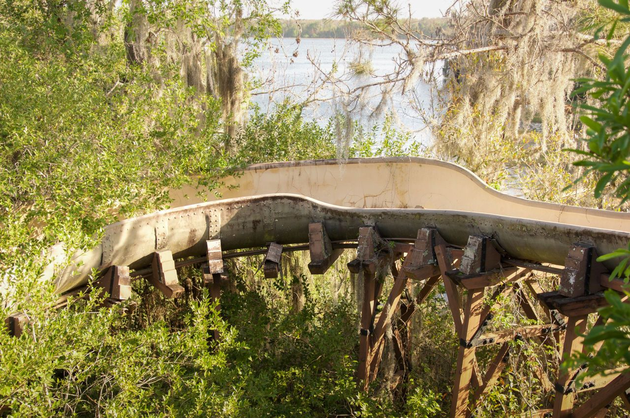 16 Haunting Photos of Disney's Abandoned Water Park