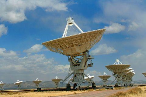 radio-telescope-array.jpg
