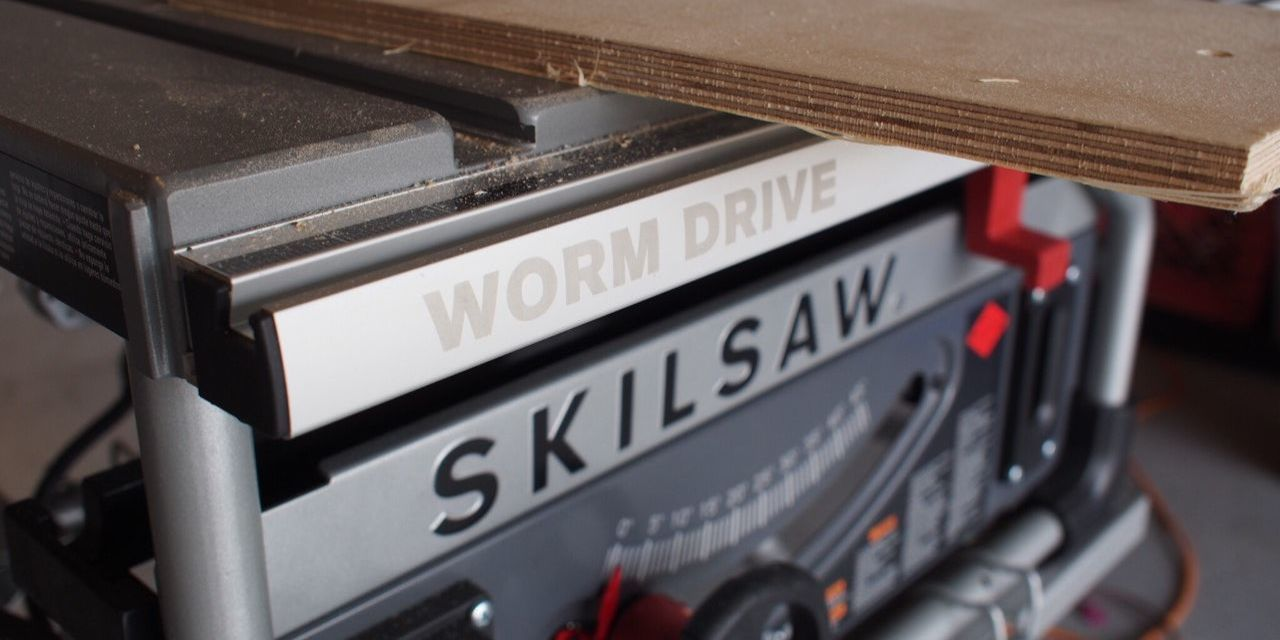 jobsite table saw & How to Set Up a Portable Table Saw