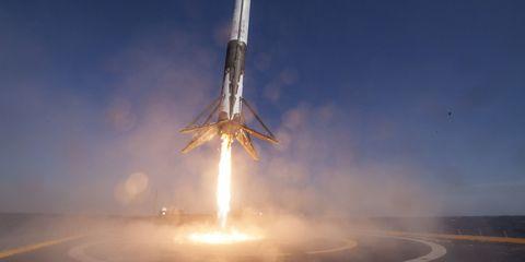 Atmosphere, Aerospace engineering, Atmospheric phenomenon, Landmark, Aircraft, Space, Aviation, Heat, Spacecraft, Rocket,