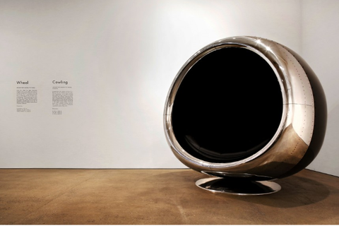 The 737 engine chair