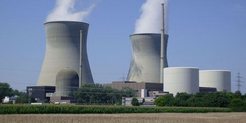 Nature, Daytime, Natural environment, Cooling tower, Infrastructure, Nuclear power plant, Atmosphere, Technology, Power station, Industry,