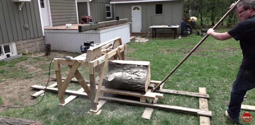 Cut Your Own Wood Slabs With A DIY Band Saw Mill - Backyard sawmill