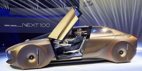 BMW-electric-self-driving.jpg