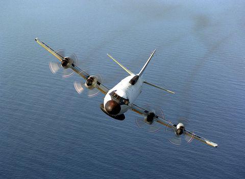 Airplane, Aircraft, Aviation, Reflection, Calm, Monoplane, Aerospace manufacturer, Military aircraft, Flap, Propeller,