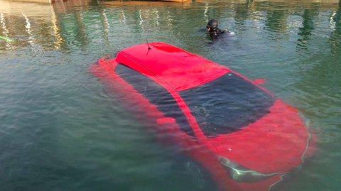GPS Told This Woman To Drive Into a Lake, So She Did