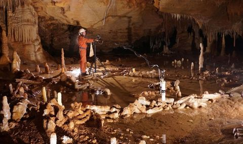 Stalactite, Formation, Geology, Speleothem, Tints and shades, Stalagmite, Cave, Soda straw, Caving, Erosion,