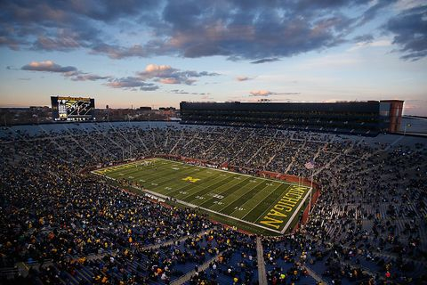 Sport venue, Grass, Crowd, Atmosphere, Stadium, Team sport, Ball game, American football, Dusk, Evening,