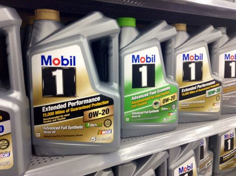 Types Of Oil For Cars >> Types Of Motor Oil How To Pick The Right Engine Oil