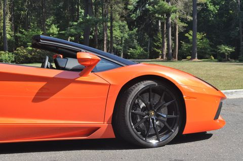 7 Things You Learn After Driving a Lamborghini For a Week