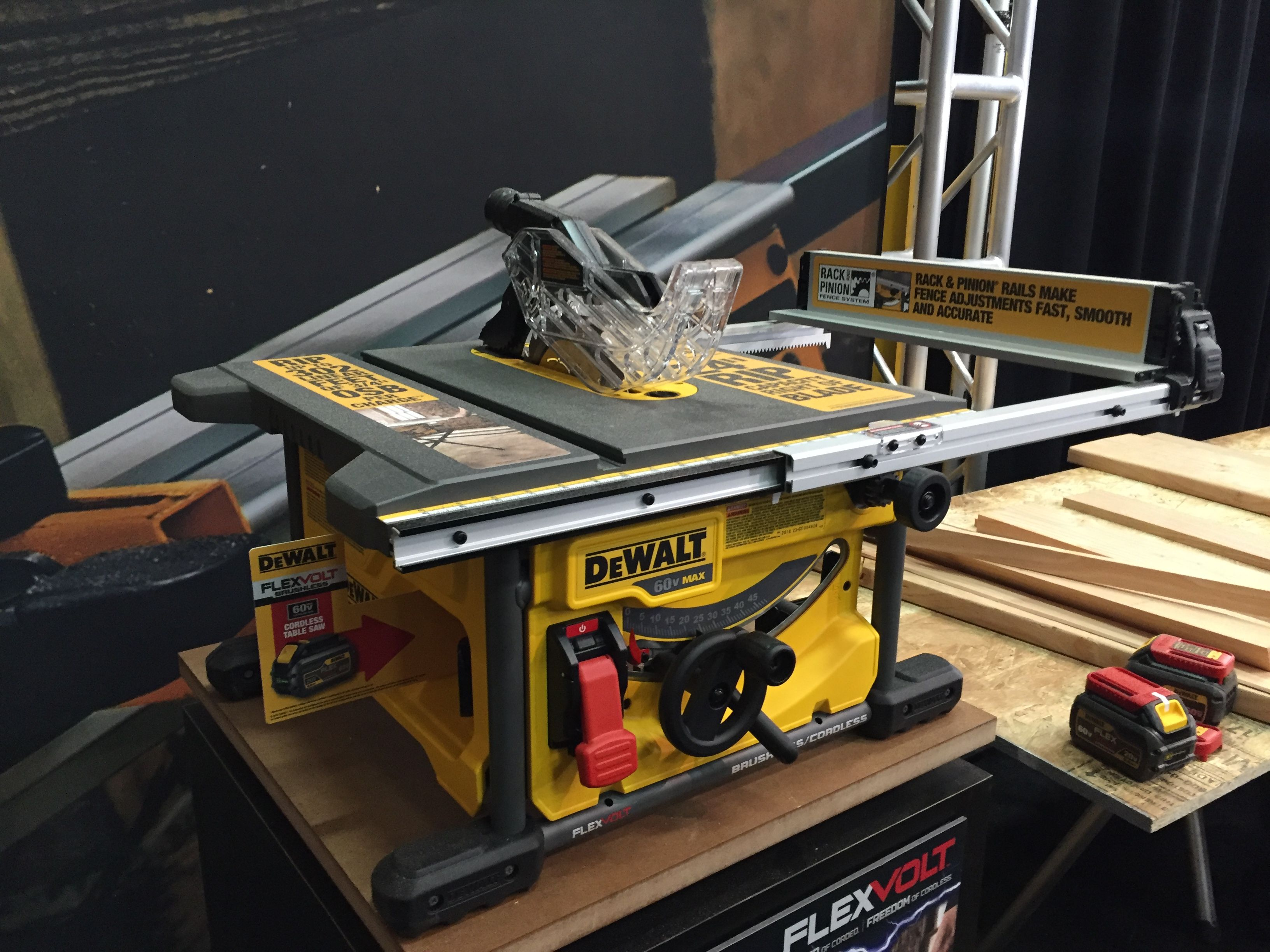 table inch saws the with tool nut stand jobsite dewalt wheeled tools saw tablesaw rolling power