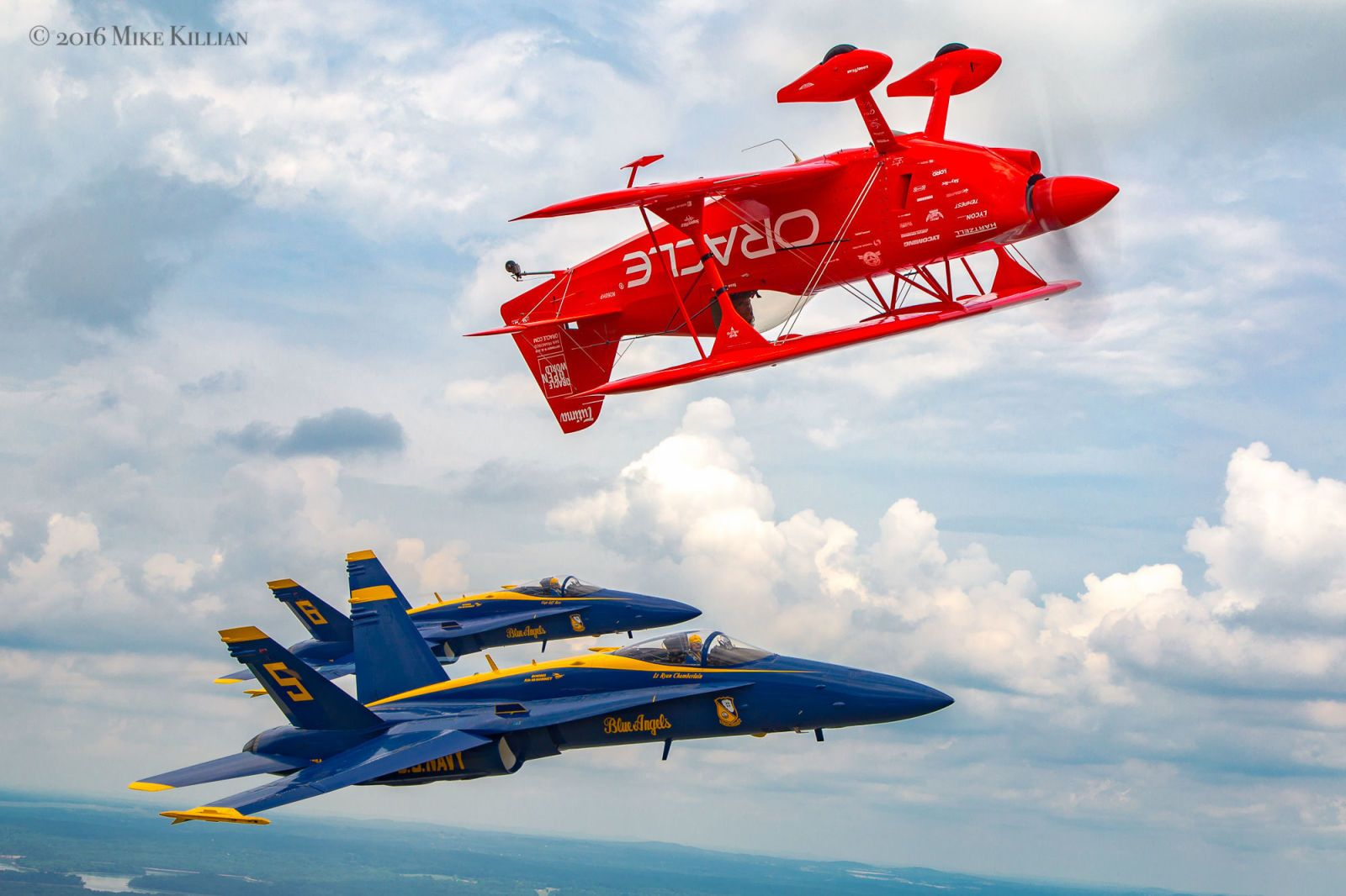Air Show Photographers Made This Video Tribute to a Fallen Blue Angel