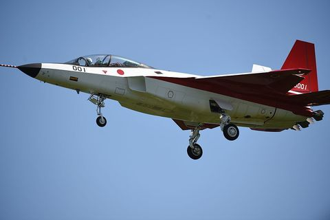 Airplane, Mode of transport, Daytime, Sky, Aircraft, Fighter aircraft, Jet aircraft, Transport, Military aircraft, Glass,