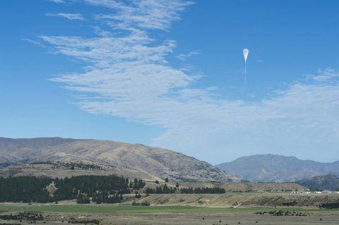 Sky, Mountainous landforms, Highland, Plain, Hill, Mountain range, Mountain, Ecoregion, Land lot, Rural area,