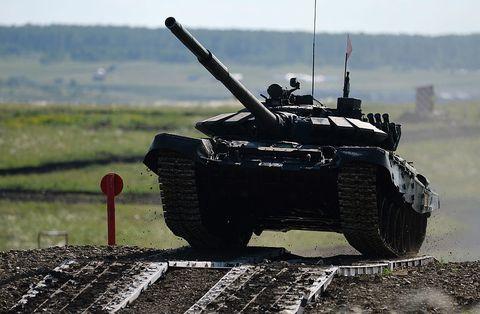 Combat vehicle, Tank, Self-propelled artillery, Vehicle, Military vehicle, Military, Armored car, Gun turret, Armored car, Churchill tank,