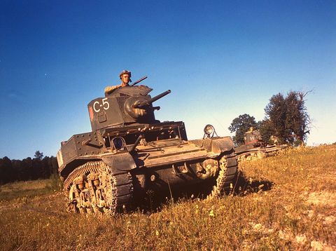 Tank, Combat vehicle, Military vehicle, Self-propelled artillery, Field, Prairie, Gun turret, Military,