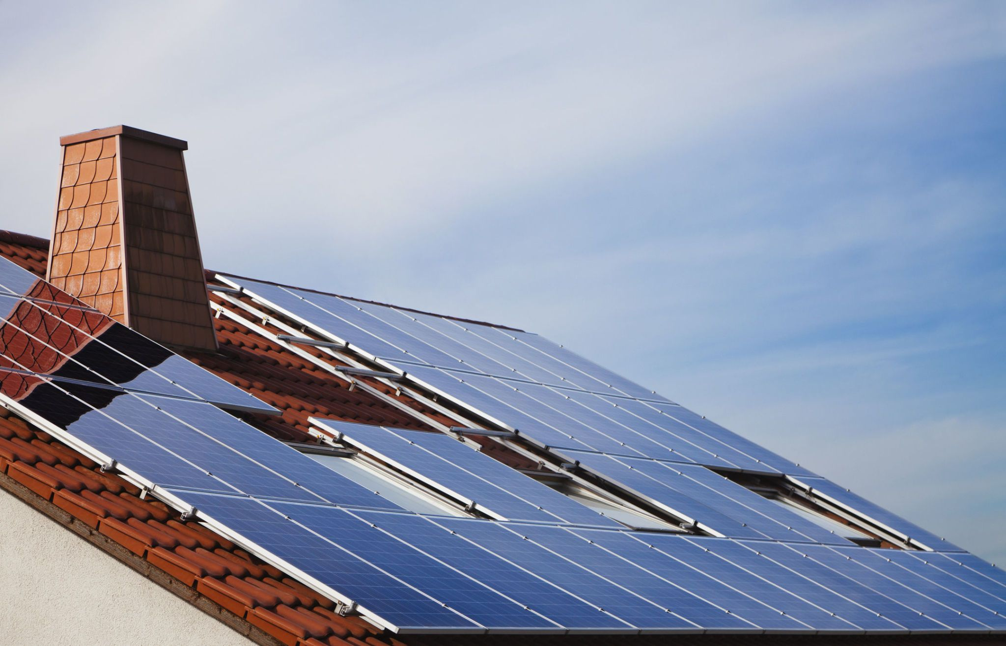 Find Out How Much Power You'd Get From Solar Panels on Your Roof