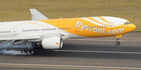 airliner-landing.jpg
