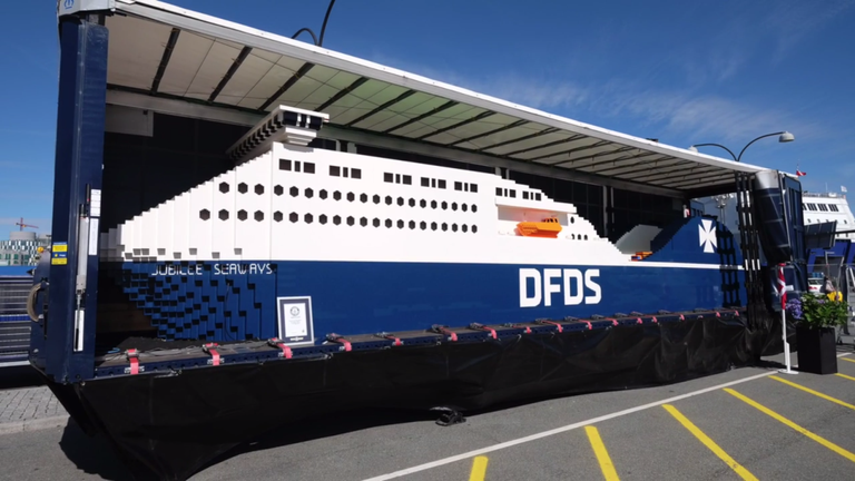 Behold a 40-Foot 3-Ton Ship Made of Legos