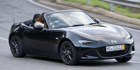 2016 Mazda Miata in action