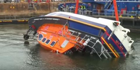 lifeboat capsizing