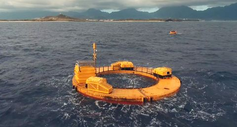 The First Wave-Powered Generators Are Online Near Hawaii