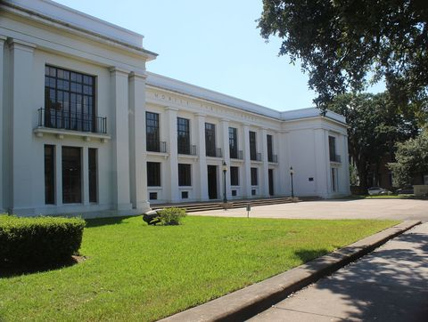 "<p> Nothing says ""library"" more than ancient Greek design elements, of&nbsp;which the&nbsp;sprawling white <a href=""http://www.mobilepubliclibrary.org/index.php"" target=""_blank"">Ben&nbsp;May Main Library</a> has plenty. The building, which opened in 1928, is also on the <a href=""https://www.nps.gov/nr/"" target=""_blank"">National&nbsp;Register of Historic Places</a>, so you can browse its original wood bookshelves&nbsp;while experiencing a slice of Alabama history.&nbsp;</p><p><span class=""redactor-invisible-space"" data-verified=""redactor"" data-redactor-tag=""span"" data-redactor-class=""redactor-invisible-space""></span></p>"