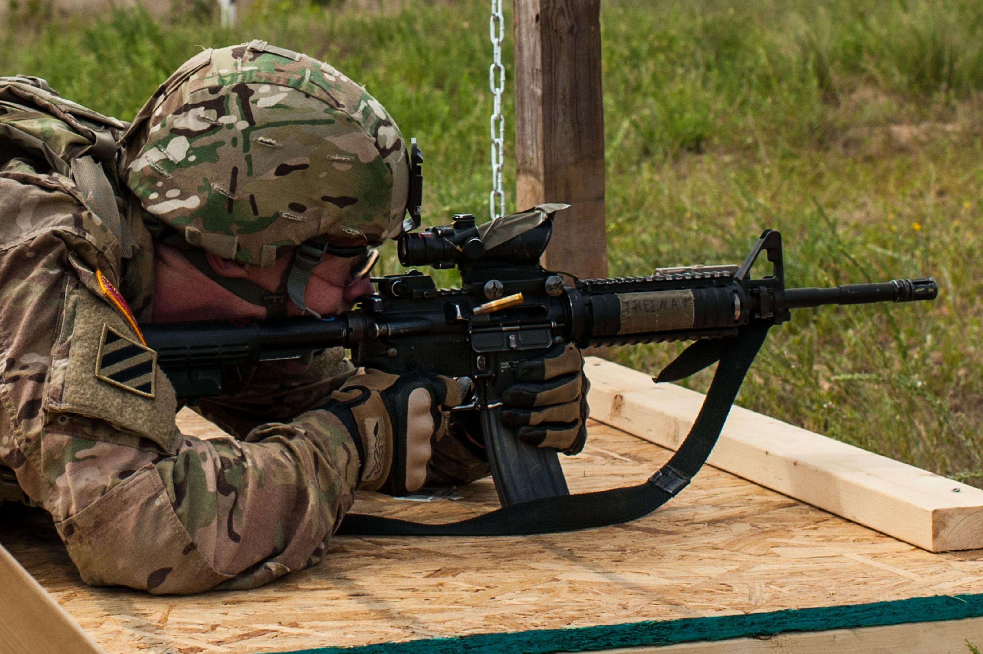 "New Experimental Army Rifle Uses ""Telescoped"" Ammunition"