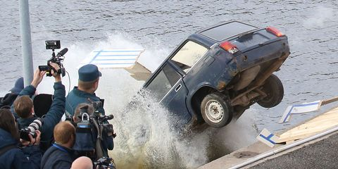 russia-jumps-car.jpg