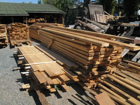 How To Properly Store Lumber For Your Next Project