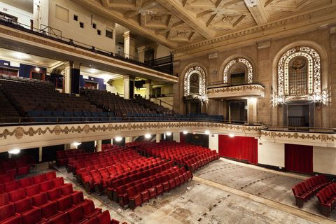 19 eerie photos of americas abandoned theaters