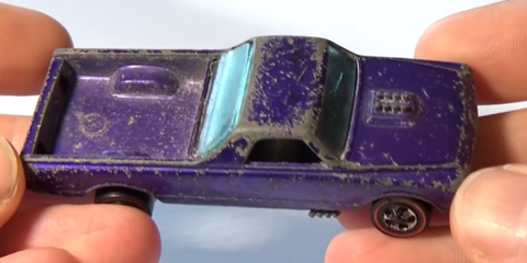 Here's How You Can Restore An Old Hot Wheels Car to Its Former Glory