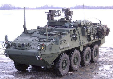 Tire, Motor vehicle, Wheel, Mode of transport, People, Military vehicle, Automotive tire, Combat vehicle, Armored car, Armored car,