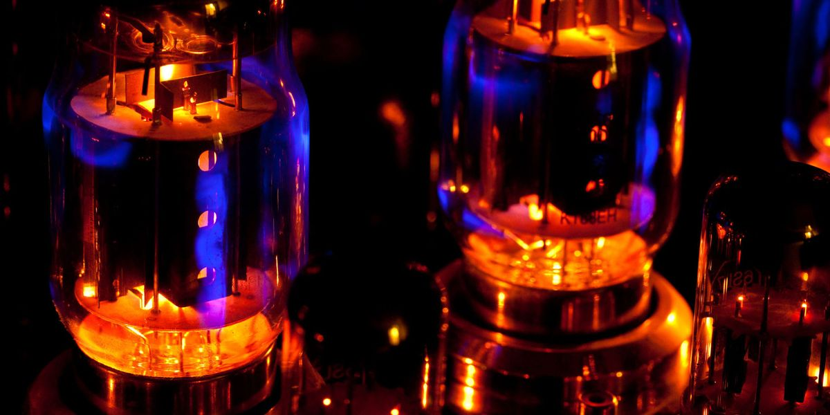 the future of computers from tubes Development of the computer smt310 project group the computer is most likely one of the great technological triggers for future change in the short period since the invention of the computer its impact on our lives has been felt in a variety of ways.
