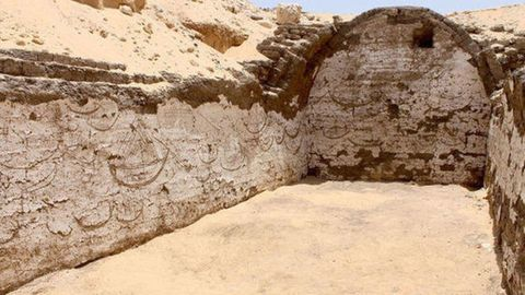 A 3,800-Year-Old Boat-Tomb Was Unearthed in Egypt