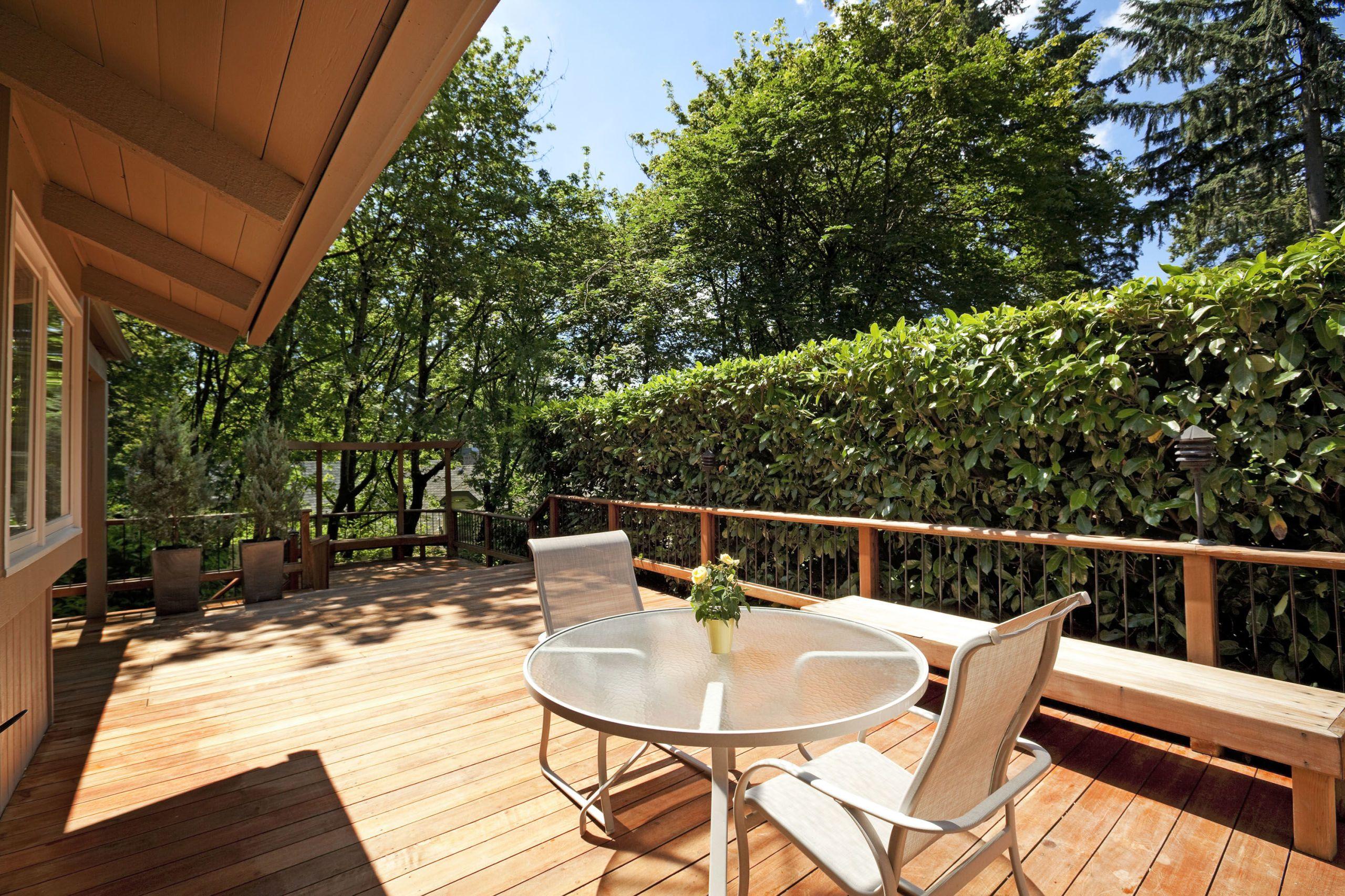 Diy Deck Building Construction Details : How to build a deck in your backyard easy deck building plans