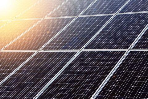 Line, Sky, Technology, Light, Daytime, Sunlight, Solar panel, Solar energy, Slope, Parallel,
