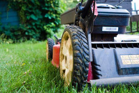 how to repair your lawn mower, diy lawn mower repair, fix your lawn mower