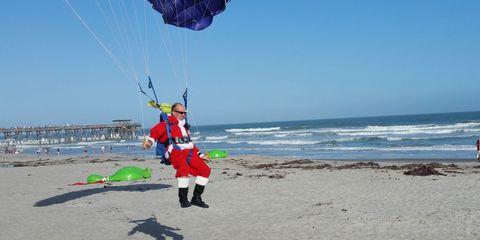 Fun, Natural environment, Coastal and oceanic landforms, Tourism, Shore, Leisure, Coast, Windsports, People in nature, Summer,